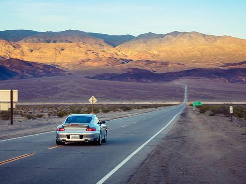 USA_Death_Valley_Porsche_996_Turbo_commercial_bastianpaas.de.jpg