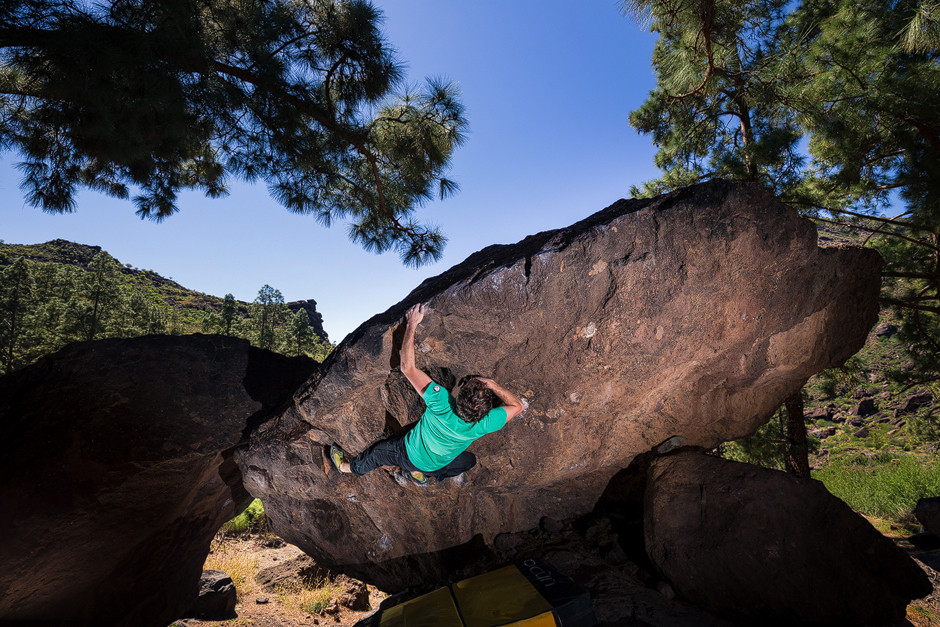 """Der Boulder """"Parking"""" wurde kurzerhand umbenannt, inspiriert durch einen Radiosong: """"Caballero Mejor"""" (FB 6c)."""