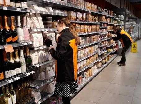 Nieuwe job: spiegelen in de supermarkt