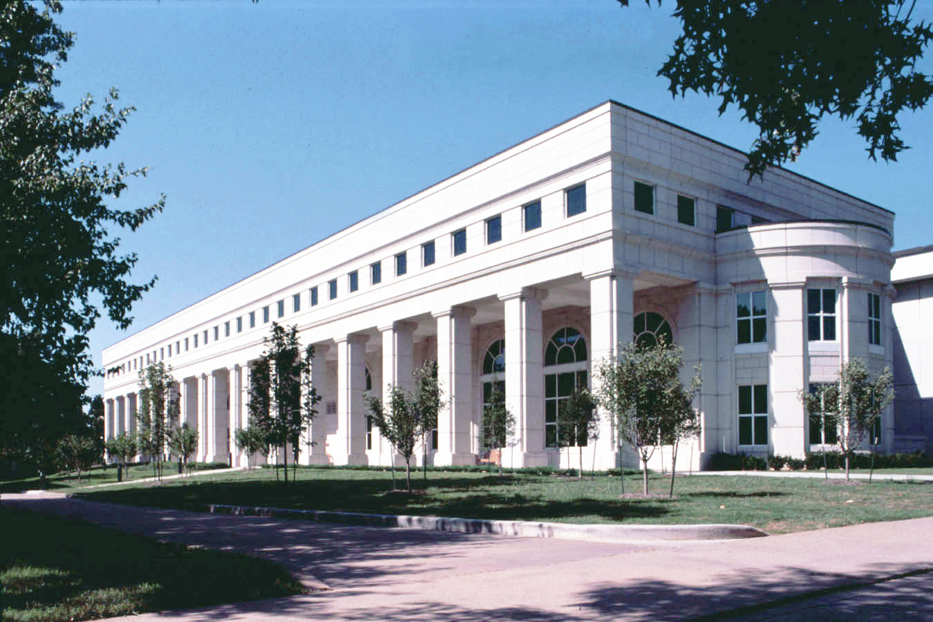 Mullins Library
