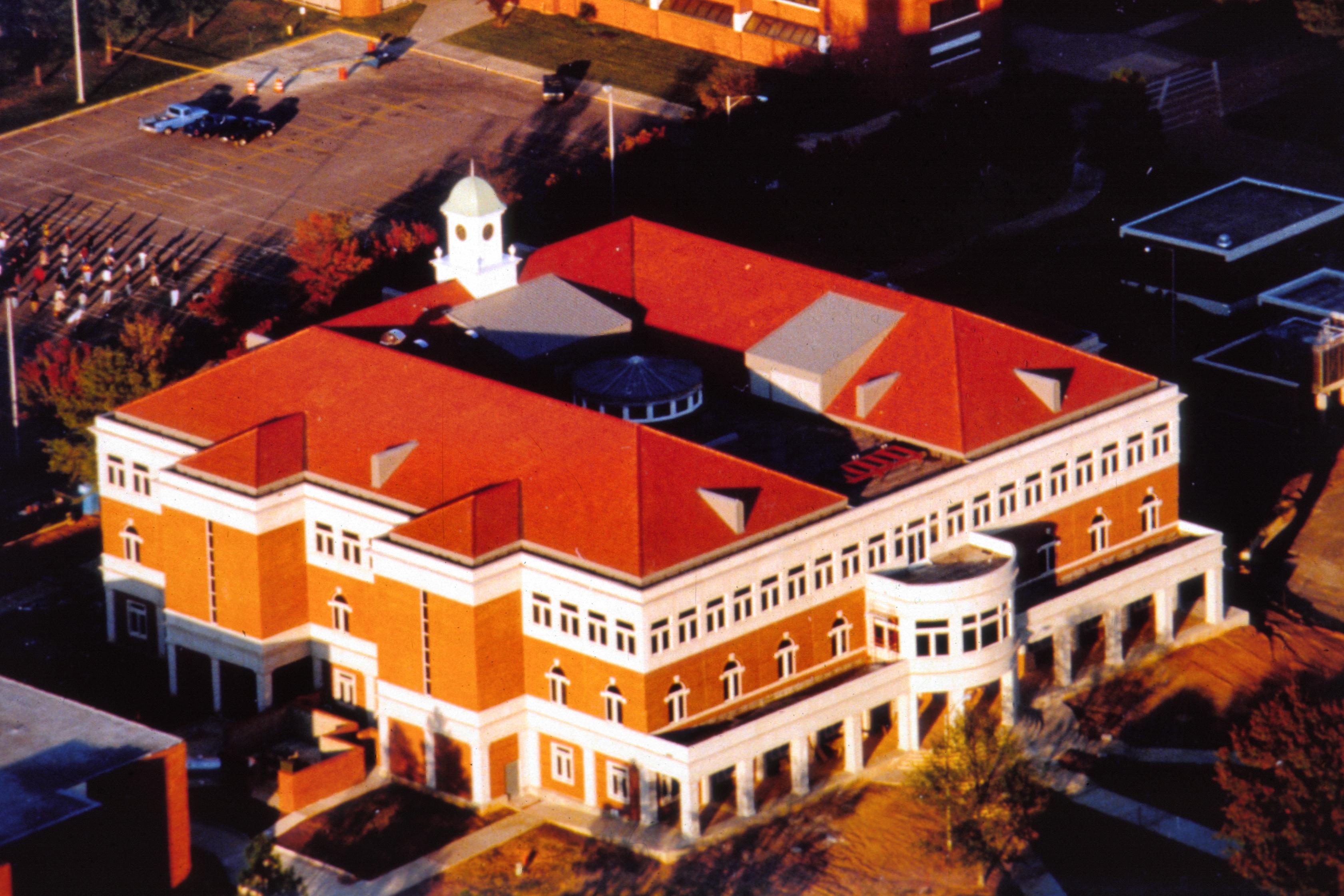 Ross Pendergraft Library and Technology Center (RPL)