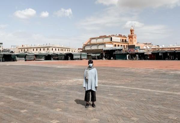 Vylidněné náměstí Jemaa El Fnaa