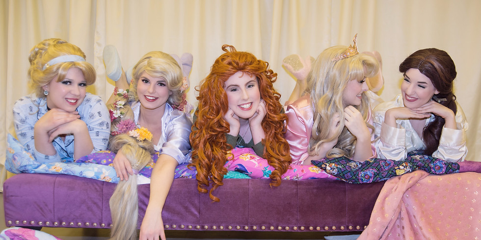 Sleeping Beauty's PJ Party with Friends : Ariel and Rapunzel