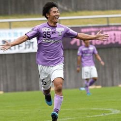 soccer-3@2x