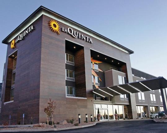 La Quinta Inn & Suites Orlando, FL