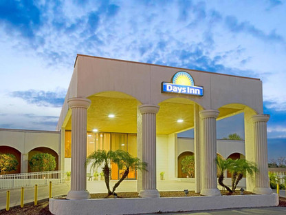 Days Inn & Suites by Wyndham, Clermont FL