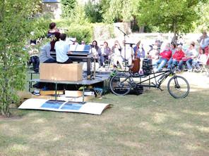 La poursuite : éco-mobilité (à vélo notamment) dans le spectacle vivant