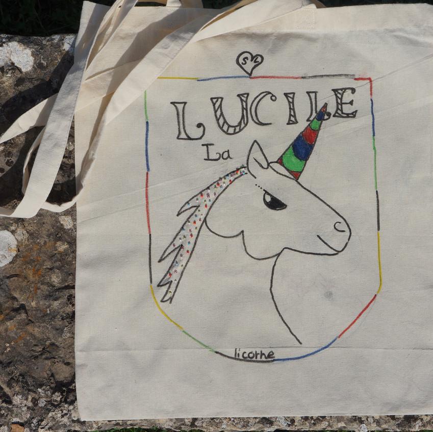 décoration d'un sac avec une licorne