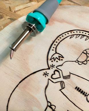 atelier créatif pyrogravure bois