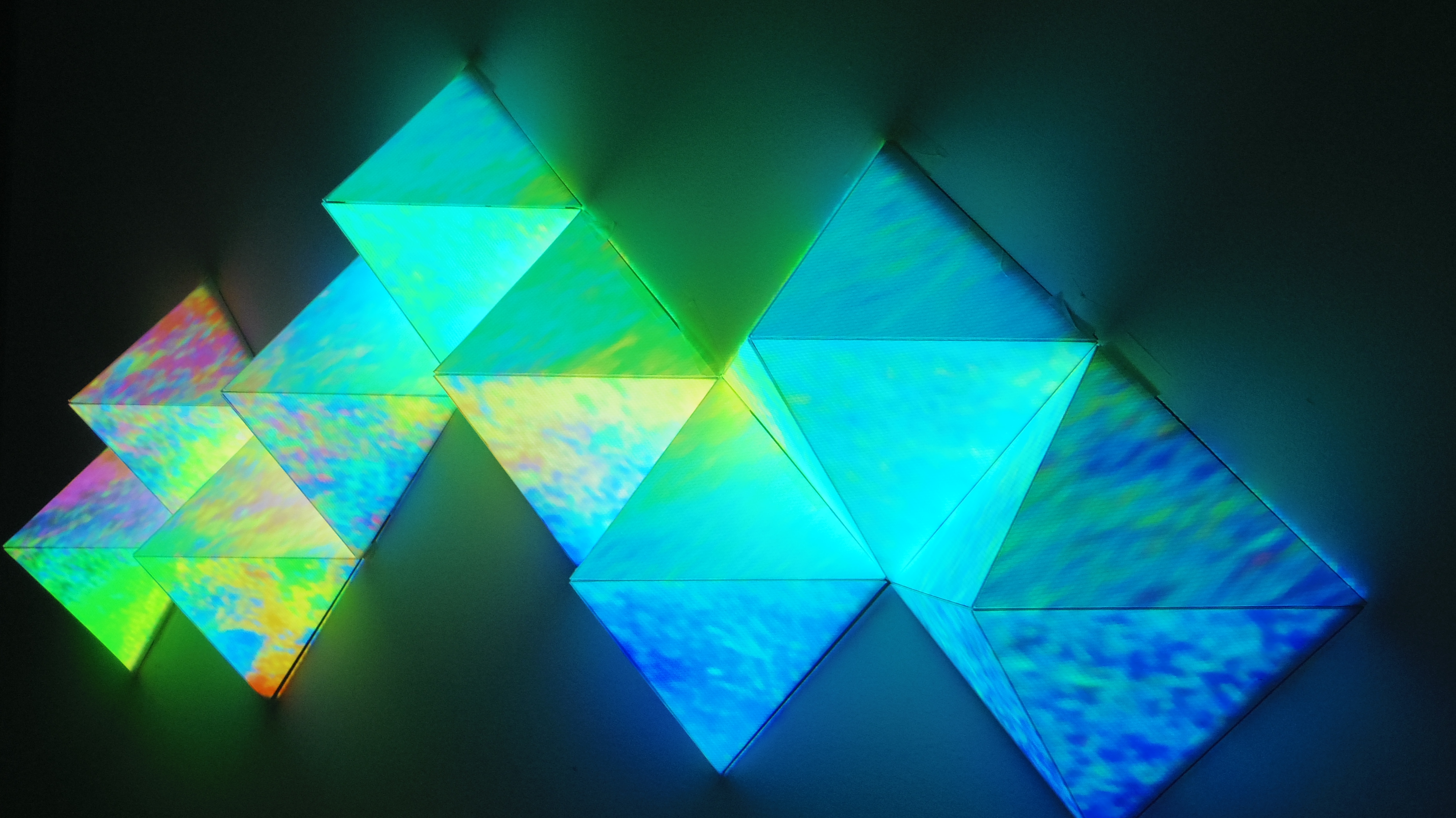 9 pyramids projection mapping