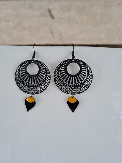 Boucles d'oreilles noires et jaune