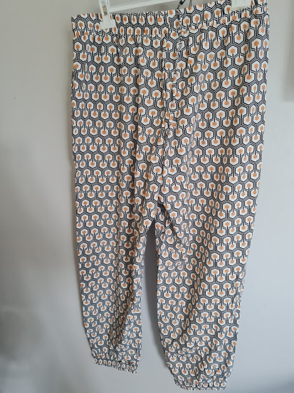 Pantalon fluide blanc à motif