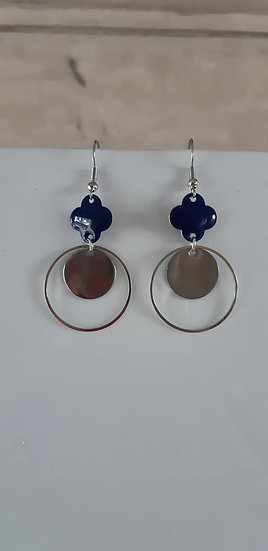 Boucle d'oreille enavec perle séquin émaillé bleu marine