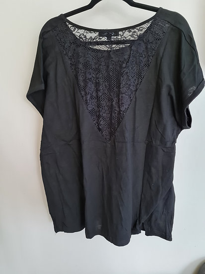Tee shirt noir dentelle dos