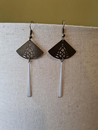 Boucles d'oreilles bronze et blanches