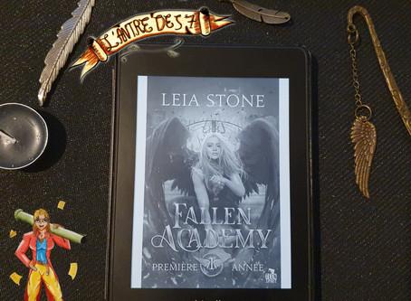 Fallen Academy ~ Tome 1 : Première année écrit par Leia Stone