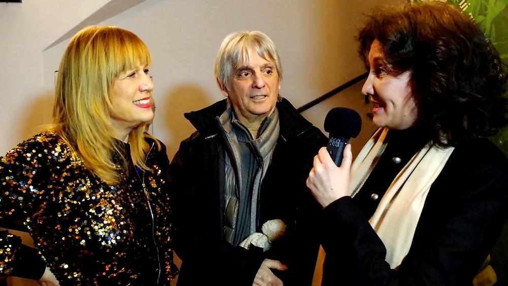 Stone et Mario d'Alba au micro de Florence Bouvrot dans Cour des Artistes