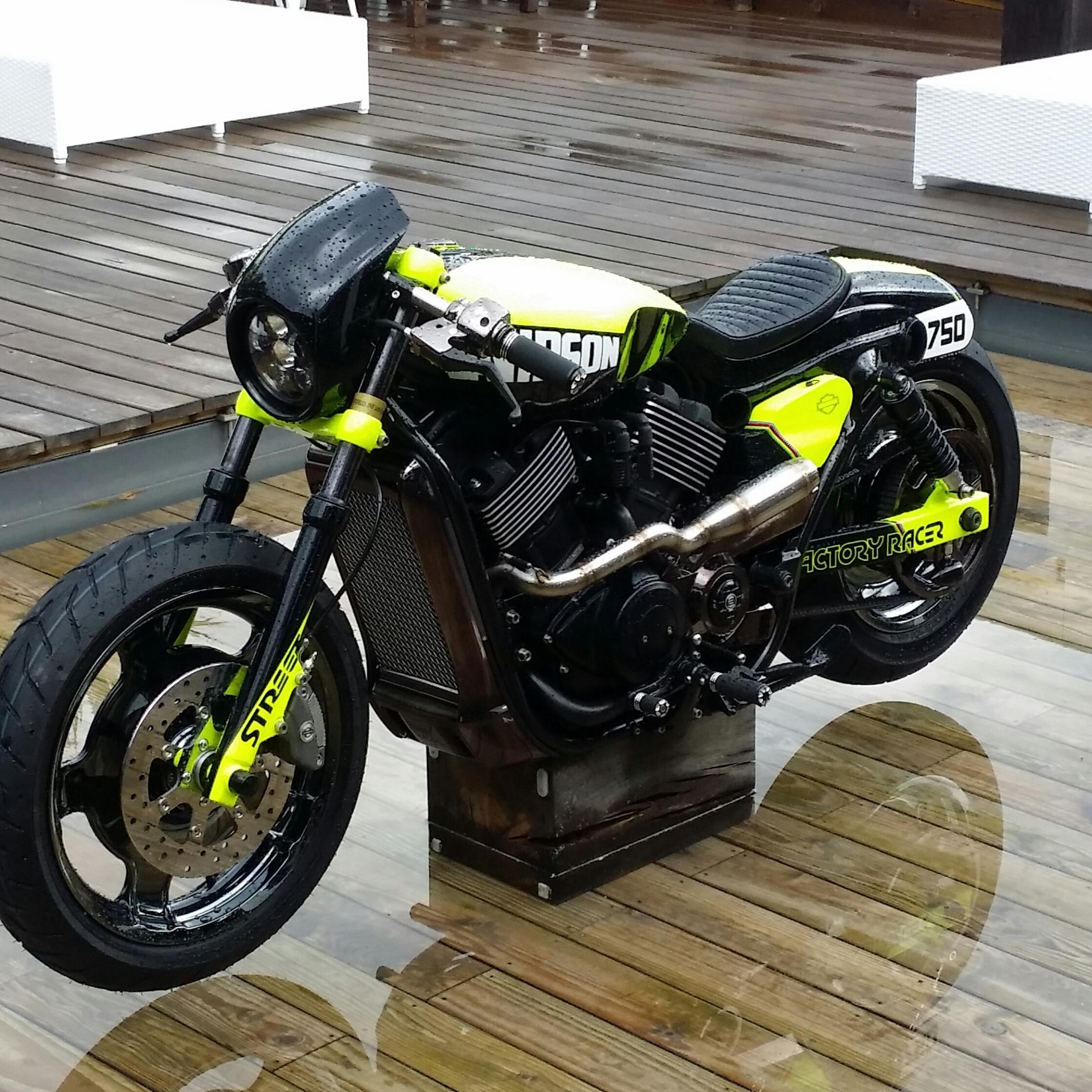 Harley-Davidson Neon Street