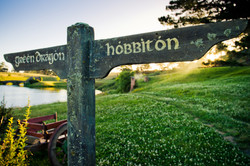 Hobbiton_Sign_Post