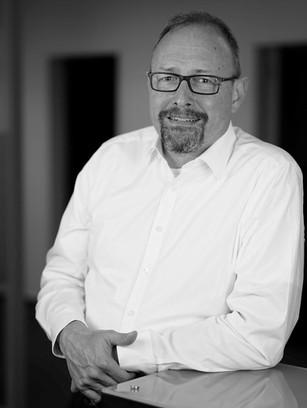 Dr. Max Zöller