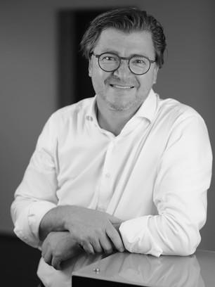 Dr. Dirk Staschinski