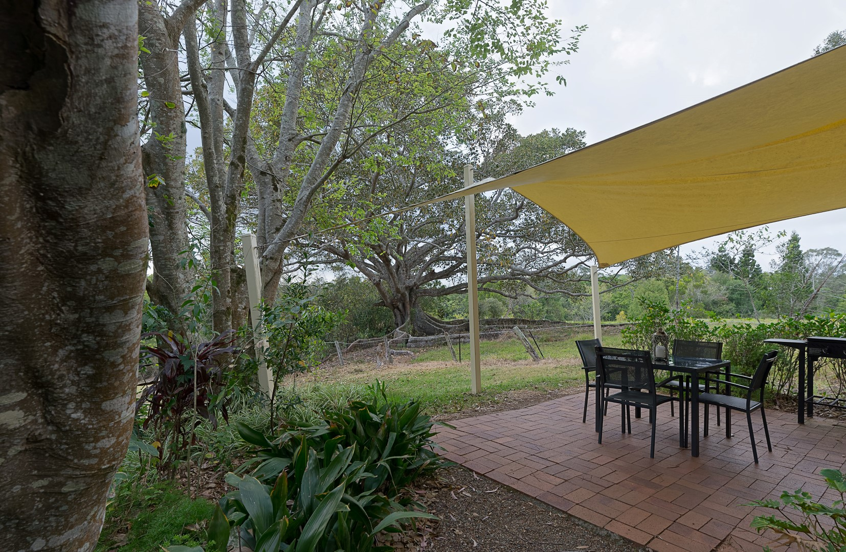Jacaranda_Cottages_Maleny_Whipbird_Patio_4