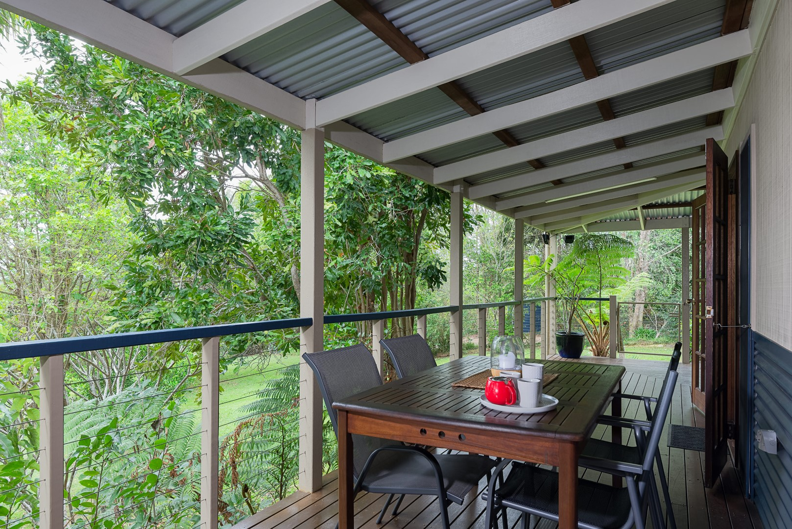 Jacaranda_Cottages_Maleny_Chalet_Deck_2