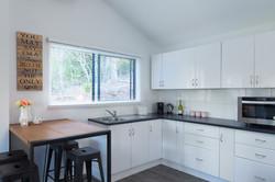 Jacaranda_Cottages_Maleny_Lodge_Dining_kitchen