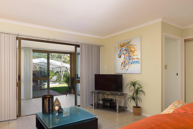 Jacaranda_Cottages_Maleny_Farmhouse_Living_1