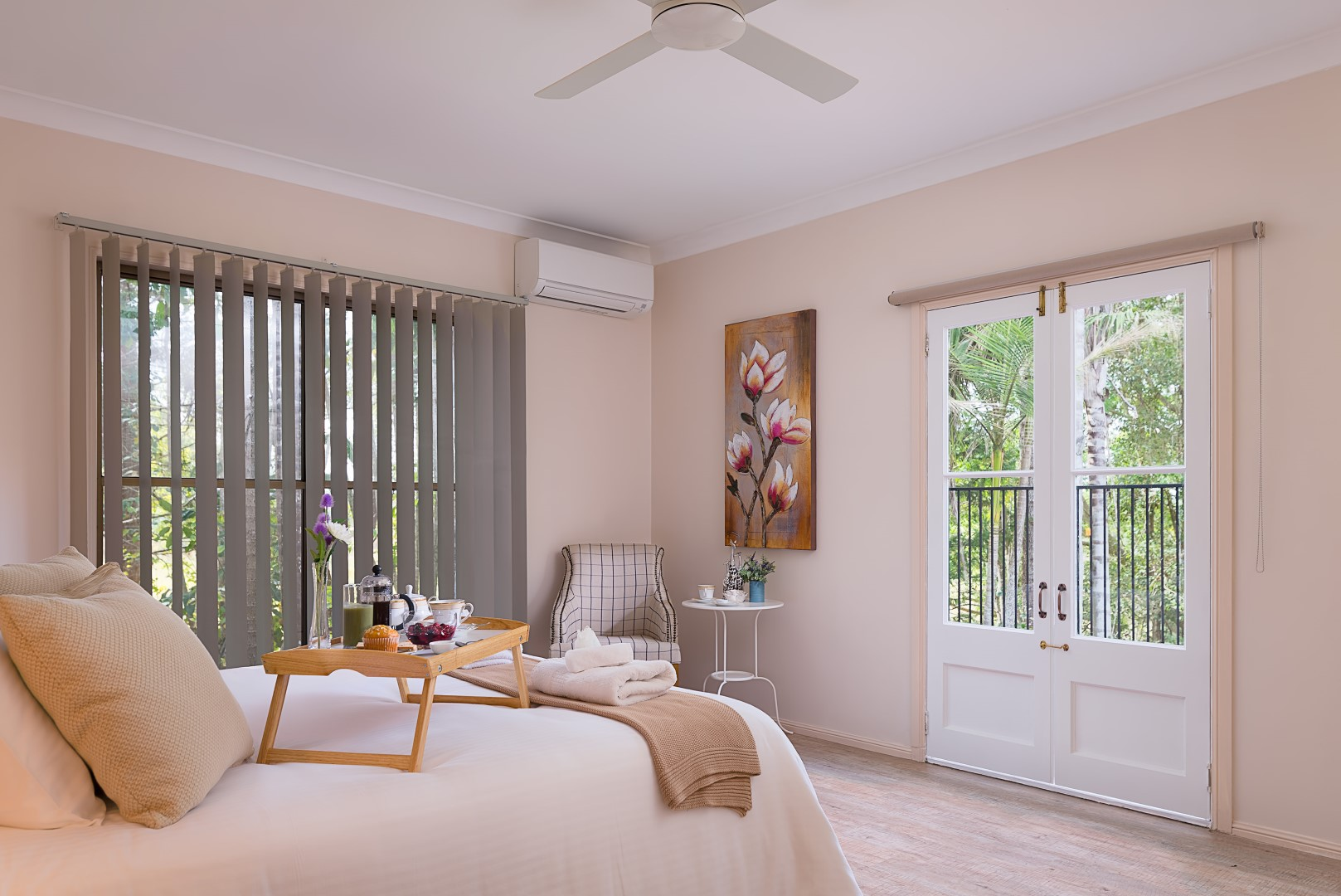 Jacaranda_Cottages_Maleny_Holiday_House_Bedroom_1