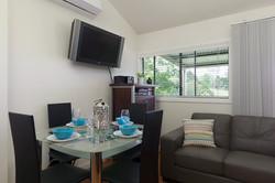 Jacaranda_Cottages_Maleny_Bunya_Living-Dining
