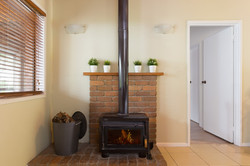 Jacaranda_Cottages_Maleny_Cathedral_Fire_place