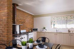 Jacaranda_Cottages_Maleny_Farmhouse_Dining