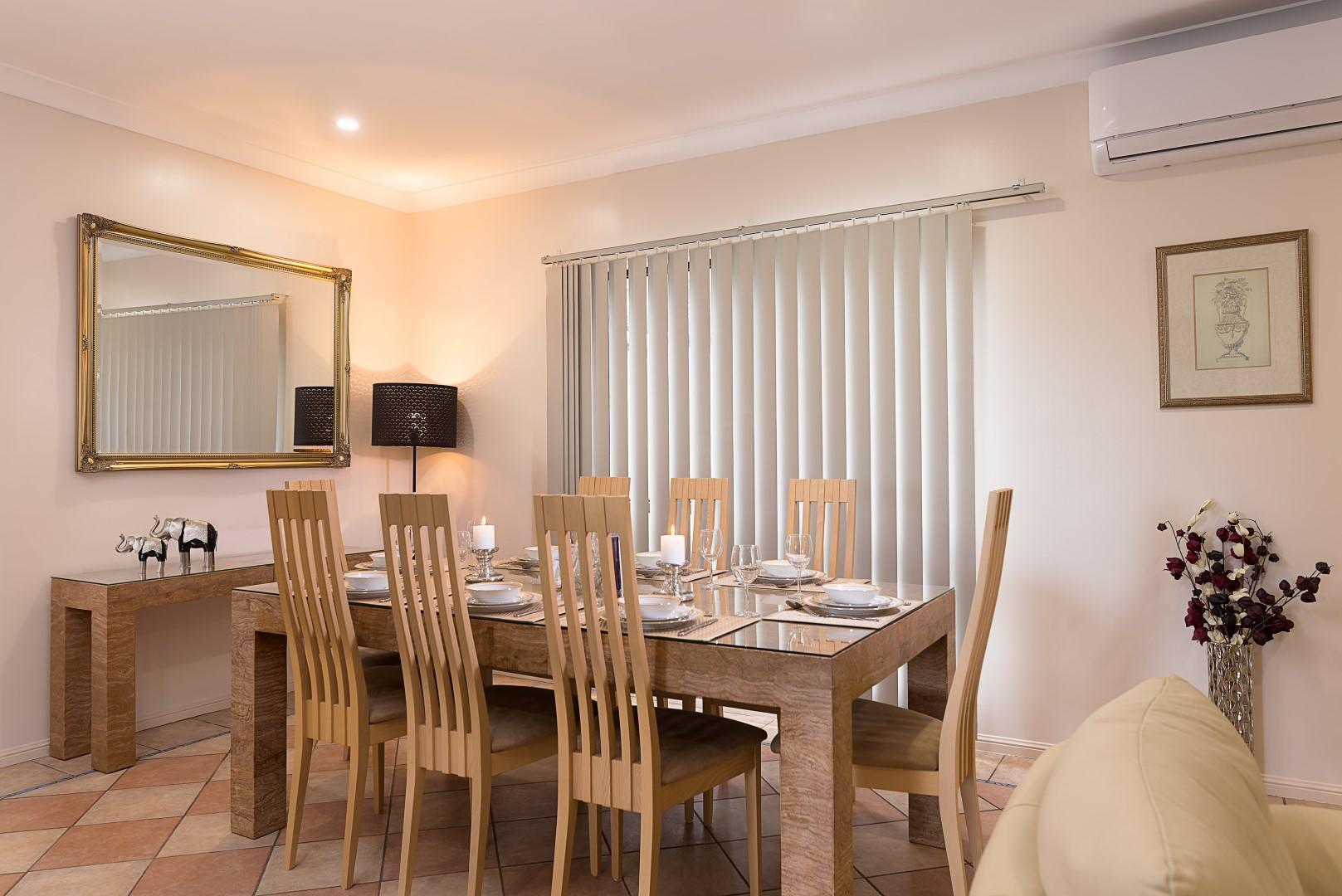 Jacaranda_Cottages_Maleny_Holiday_House_Dining