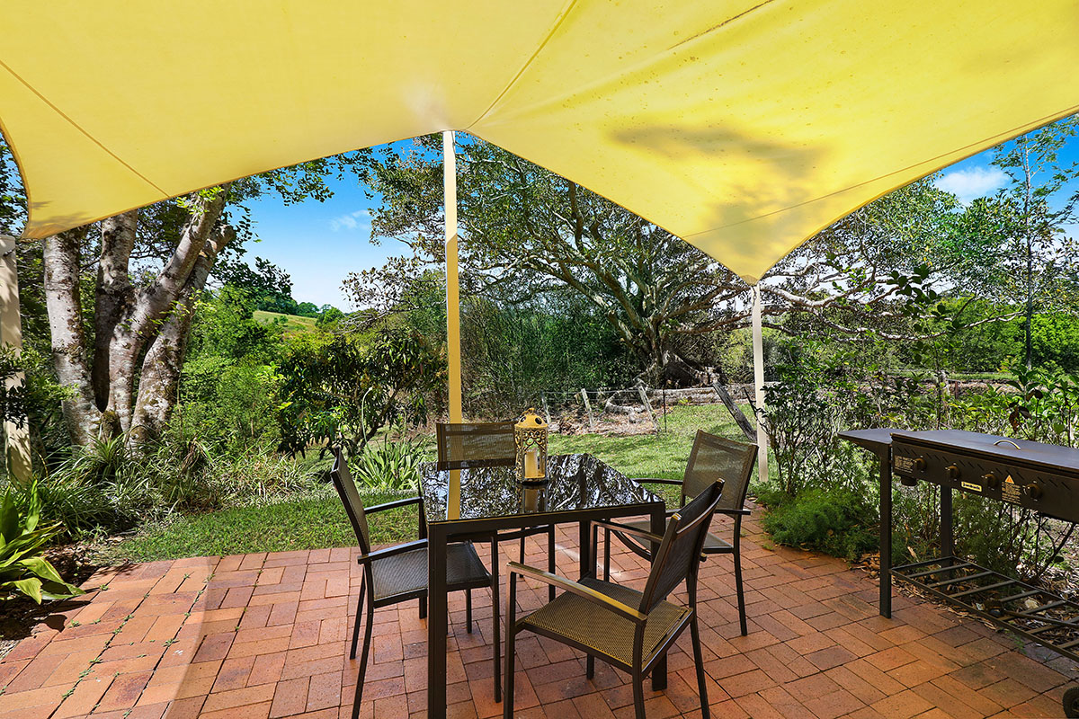 Jacaranda_Cottages_Whipbird_Patio