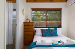 Jacaranda_Cottages_Maleny_Cathedral_Bedroom