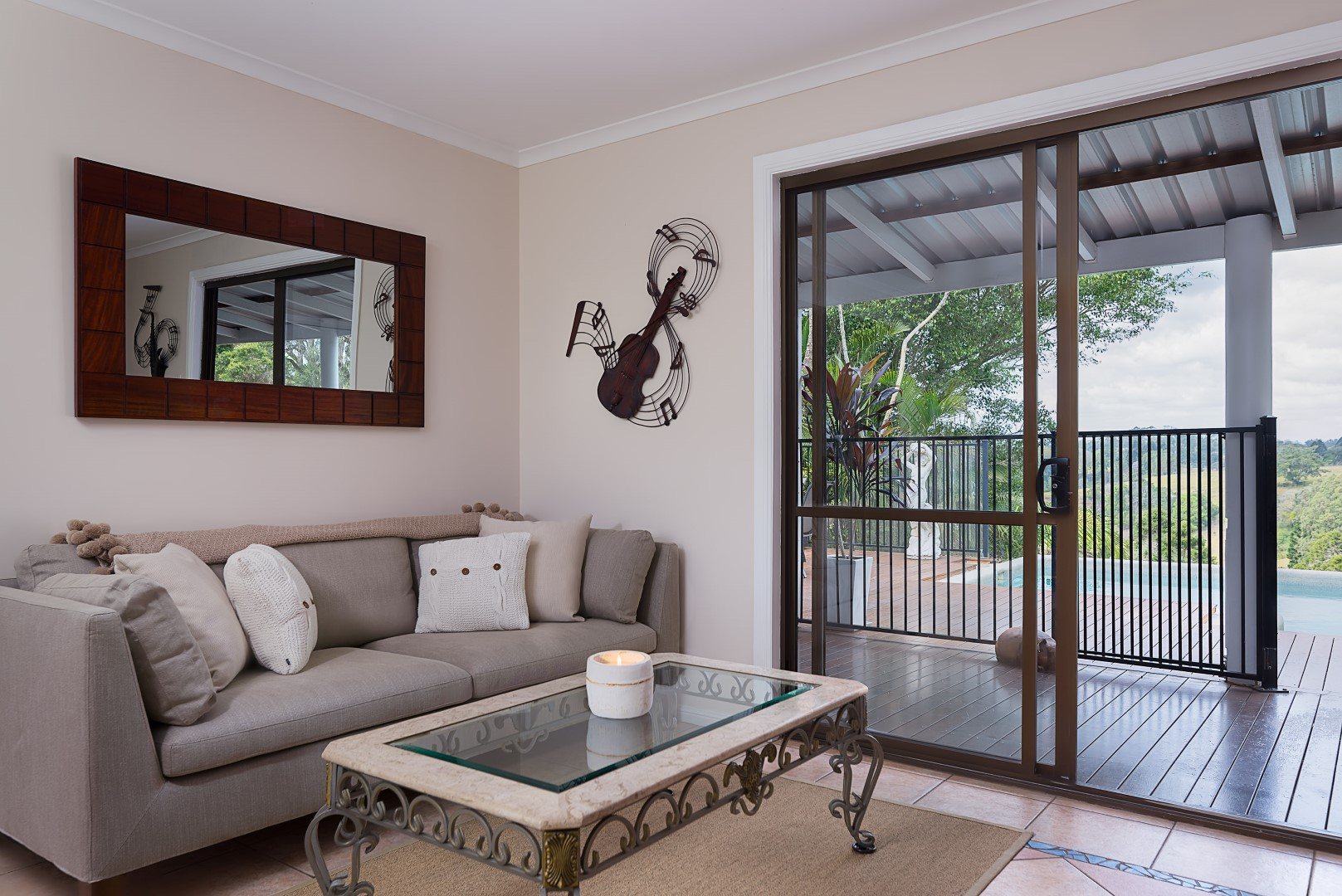 Jacaranda_Cottages_Maleny_Holiday_House_Living_room