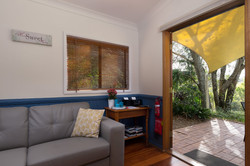 Jacaranda_Cottages_Maleny_Whipbird_Living