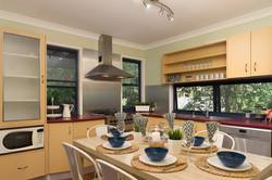 Jacaranda_Cottages_Maleny_Chalet_Dining