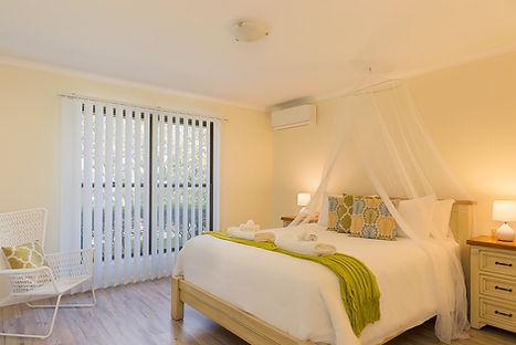 Jacaranda_Cottages_Maleny_Farmhouse_Bedr