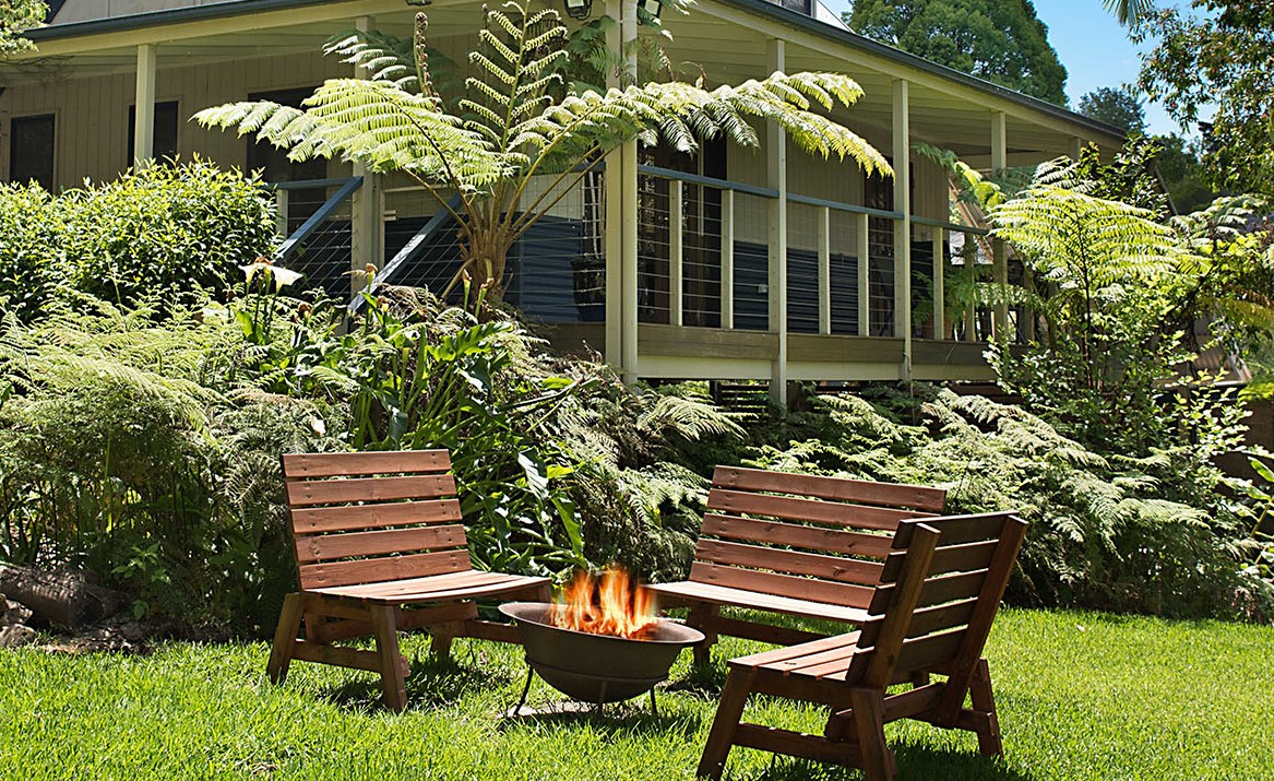 Jacaranda_Cottages_FirePit_Chalet_2