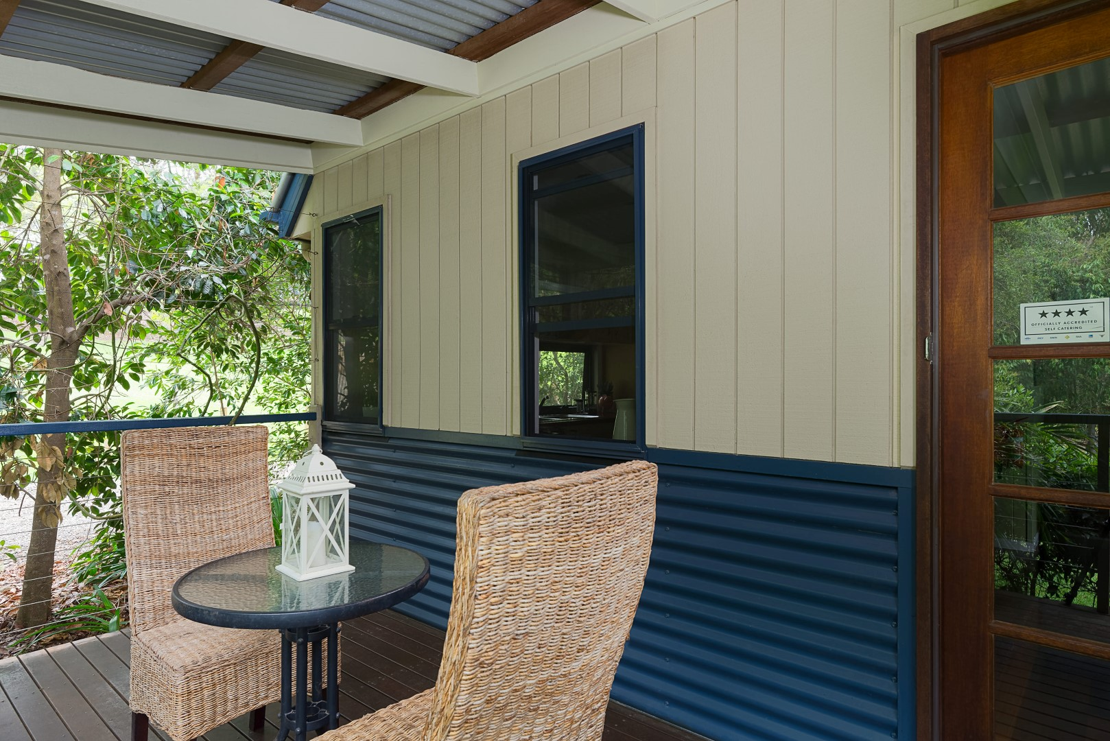 Jacaranda_Cottages_Maleny_Chalet_Deck