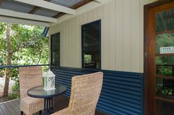 Jacaranda_Cottages_Maleny_Chalet_Deck