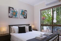 Jacaranda_Cottages_Maleny_Holiday_House_Bedroom_2