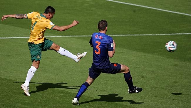 Tim Cahill CleverScore Scoreboards Dutch Goal