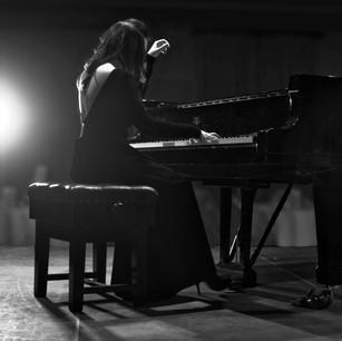GéNIA plays Steinway