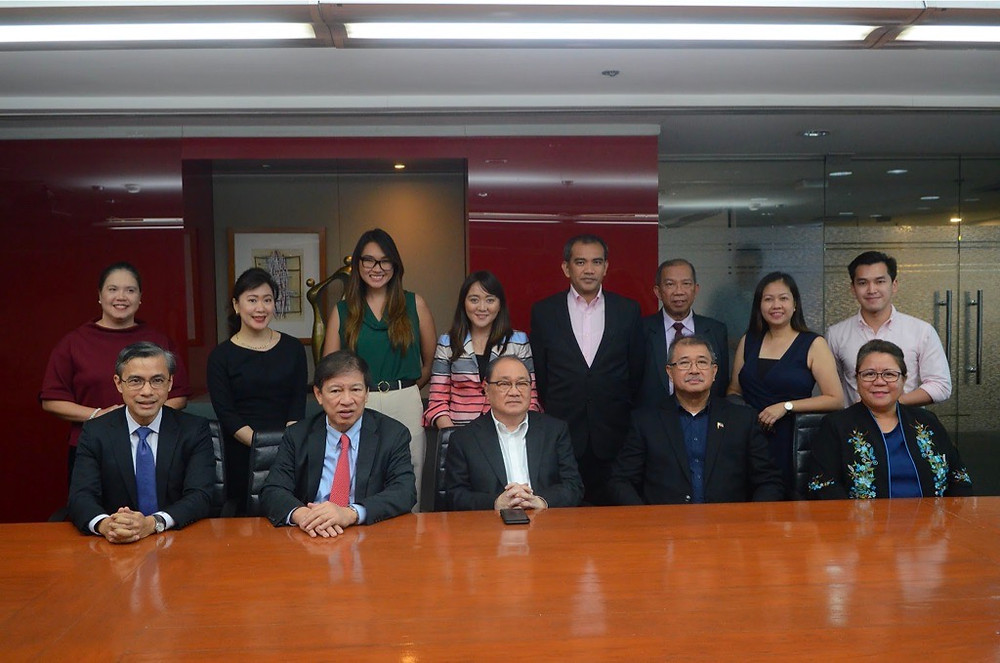 The Department of Science and Technology (DOST) Secretary Fortunato de la Peña and PLDT and Metro Pacific Chairman Manuel V. Pangilinan reinforced their commitment to Filipino startups at a joint appearance to seal DOST's P33 million grant to QBO Innovation Hub.