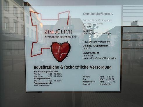 Praxisschild_Fenster.jpg