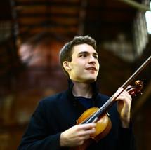 Alexi Kenney, violin