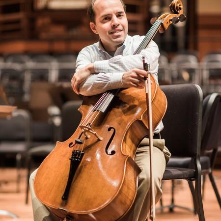 Efe Baltacigil, cello